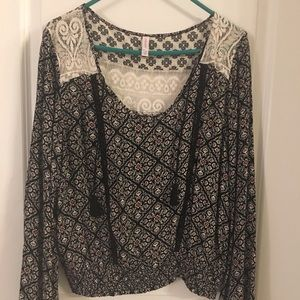 Xhilaration flowy peasant top with bell sleeves